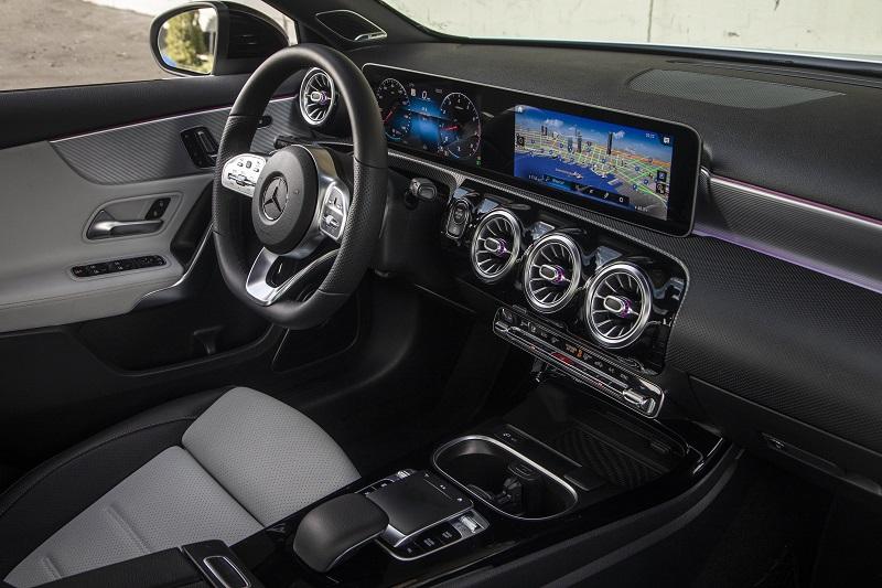 Mercedes-Benz A220 Courts Next-Gen Lux Buyer | WardsAuto