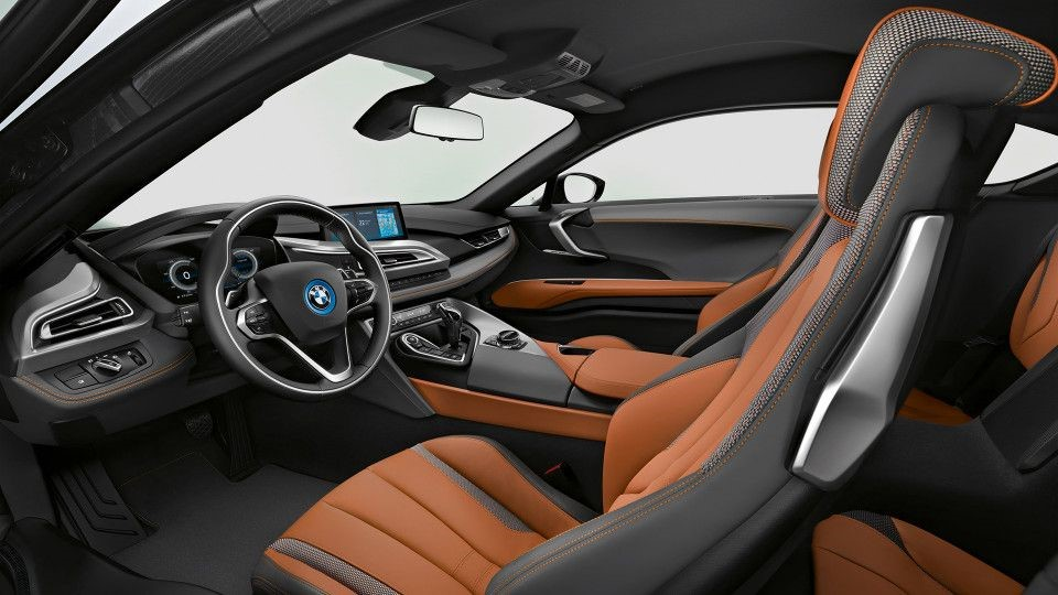 2020 BMW i8 ROADSTER AND COUPE INTERIOR