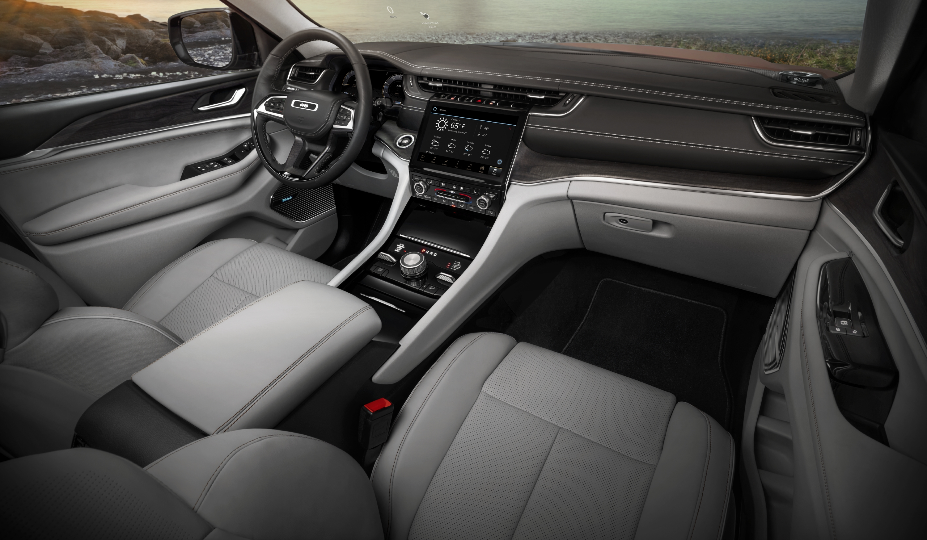 Jeep Grand Cherokee L Overland interior.jpg