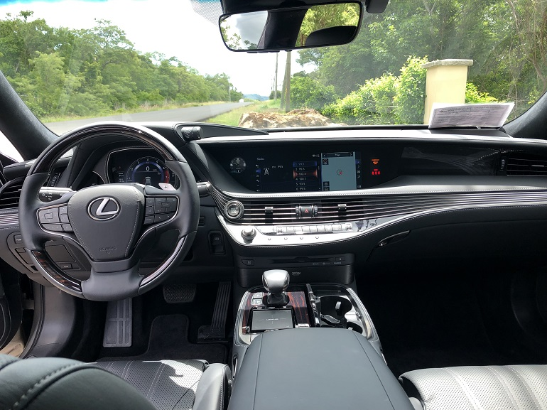 Lexus new interior.jpg
