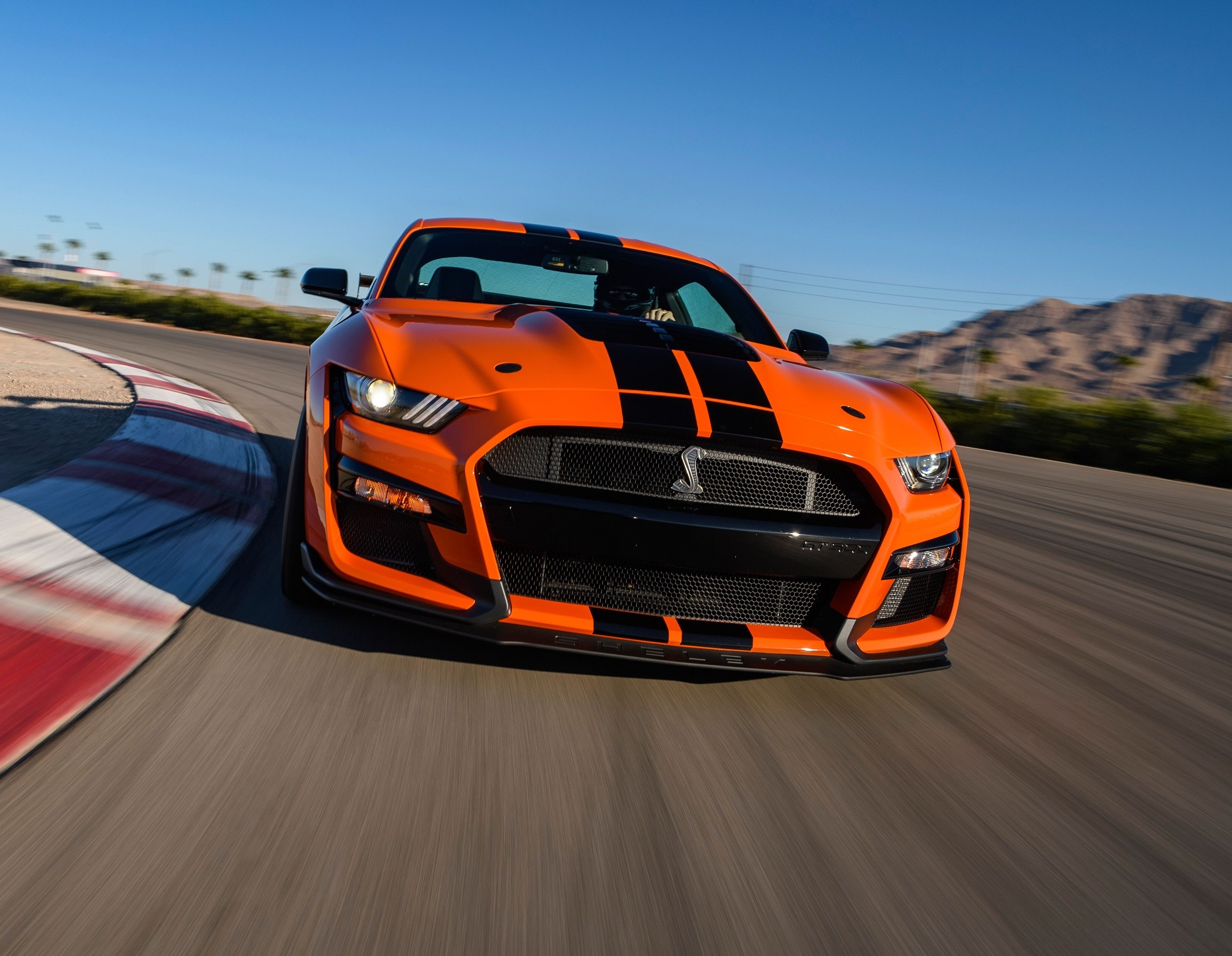 2020 Ford Mustang Shelby GT500 Excels on Circuit ...