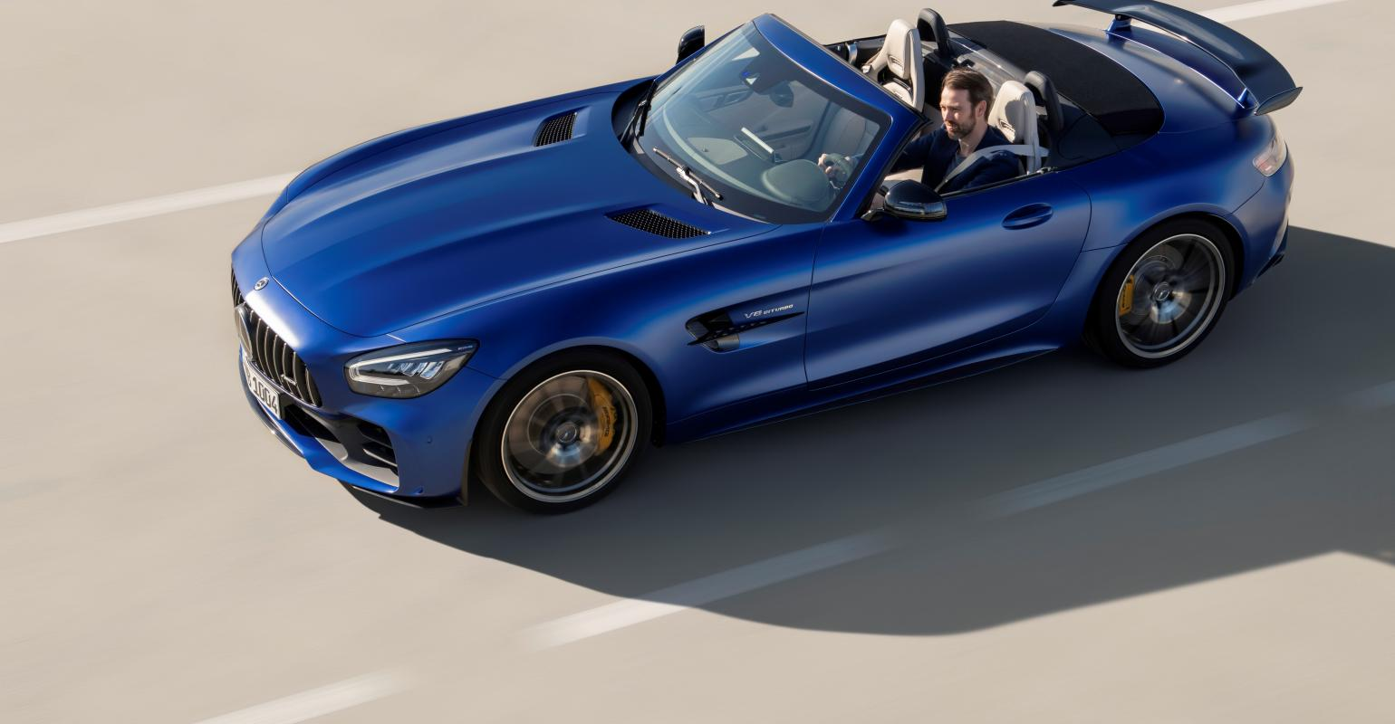 Gt R Roadster Packing 577 Hp Joins Amg Lineup Wardsauto