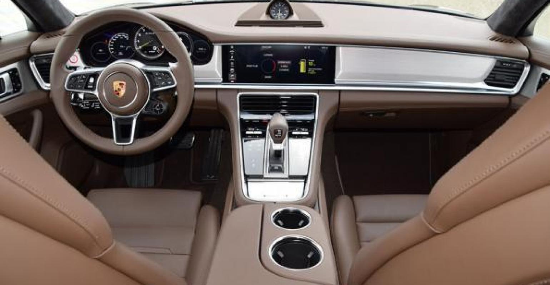 panamera redefines porsche s interior experience wardsauto rh wardsauto com interior porsche panamera 2012 interior porsche panamera 2016