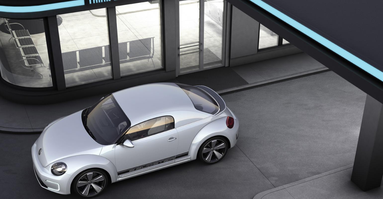 VW Goes Blue With Jetta Hybrid, Beetle EV | WardsAuto