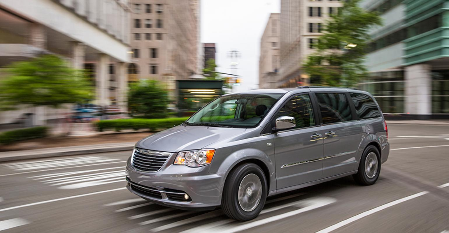 Chrysler Brand To Retain Minivan With Replacement For Town Amp Country Due In 2016