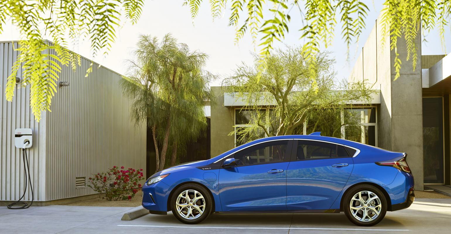 16 Chevy Volt To Make 50 Miles All Electric Range