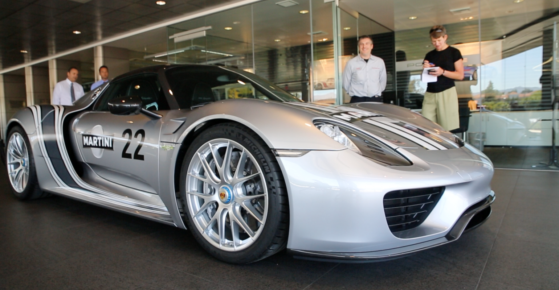 Big Deal Auto >> Delivering Porsche 918 Spyder Big Deal At Dealership Wardsauto