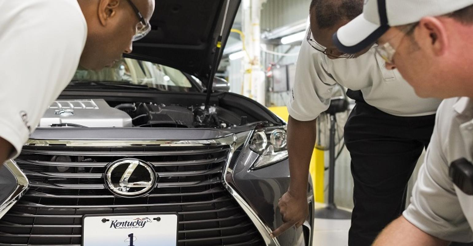 Build A Lexus >> Lexus Es Origami Helping Americans Build A Lexus Wardsauto