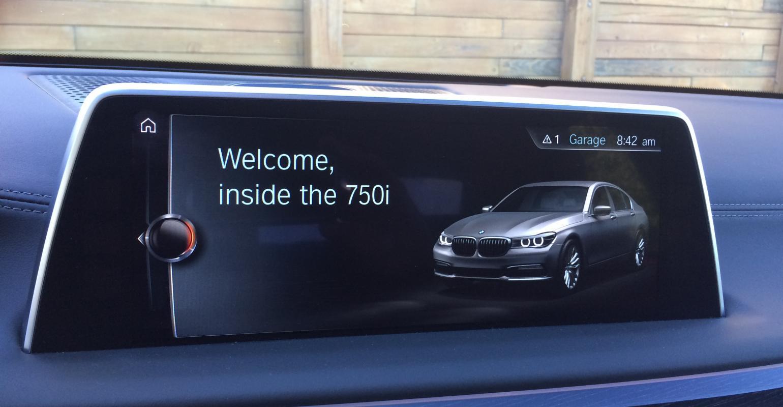 WardsAuto 10 Best UX | BMW 750xi Ultimate User Experience | WardsAuto