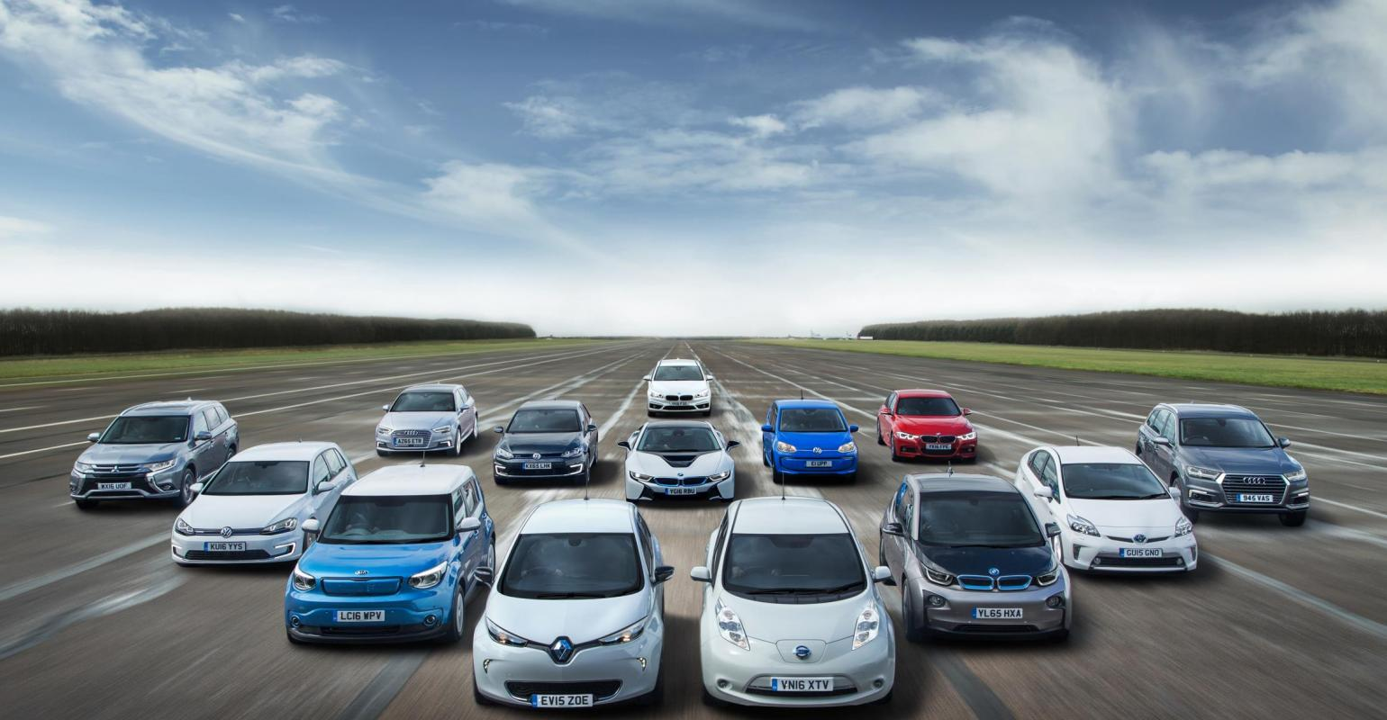 Fewer Than 2000 Evs In Uk 2017 Cur Count Tops 100000
