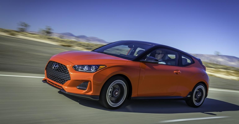 Hyundai Veloster Next Gen Sport Coupe Unveiled At Naias Wardsauto