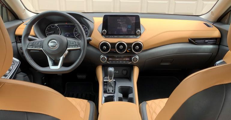 01 Nissan Sentra full dash - Copy.jpg