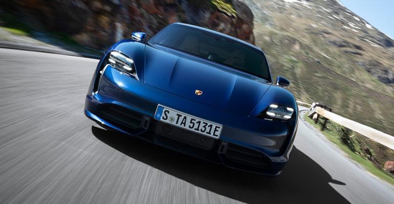 03 Porsche Taycan front blue.jpg