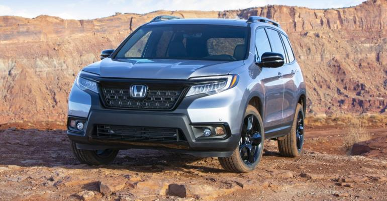 2019 Honda Passport main crop