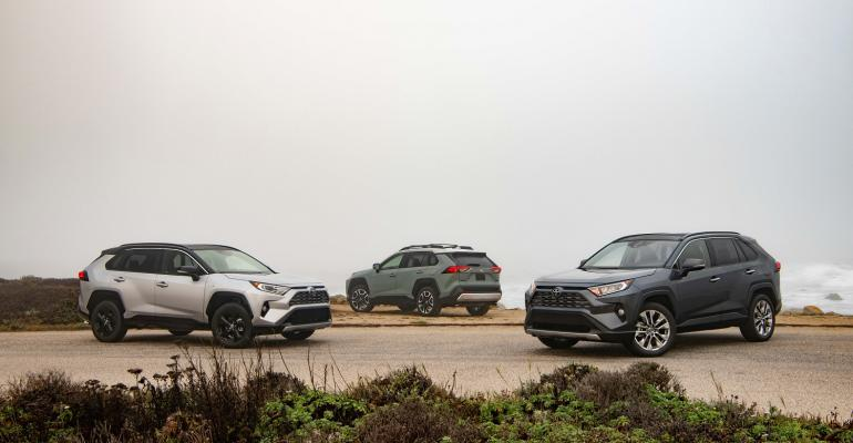 2019 Toyota RAV4 group of three