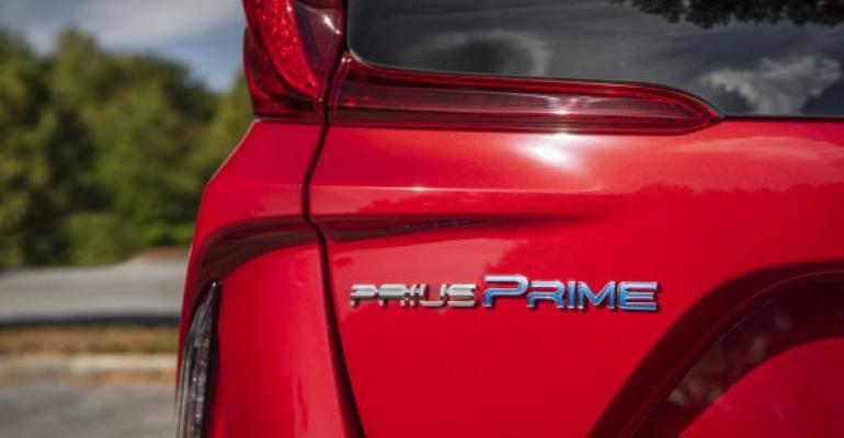 2020_Prius_Prime_logo.jpg