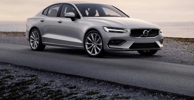 Volvo S60 Momentum cropped