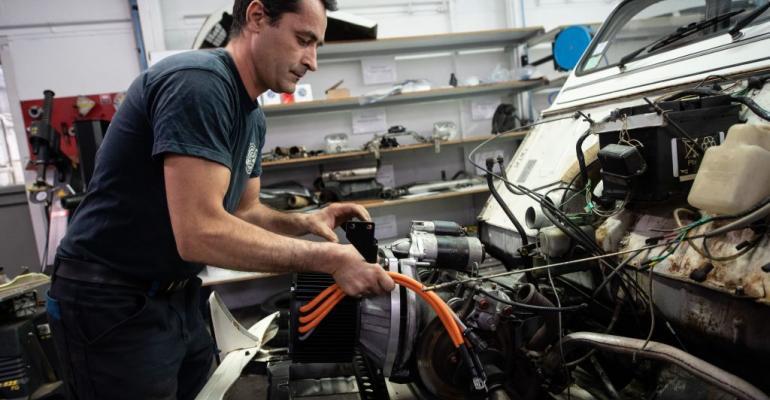 Auto mechanic (Getty)(2).jpg