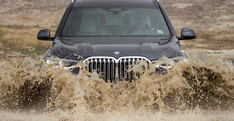 BMW X7 in water.jpg