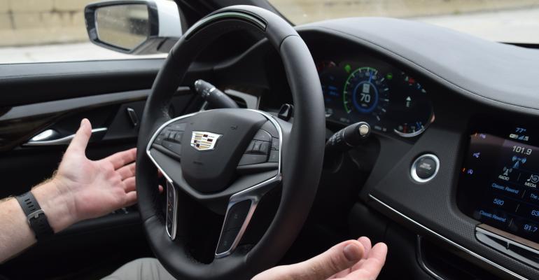 Cadillac CT6 Super Cruise impresses Wards 10 Best UX judges.