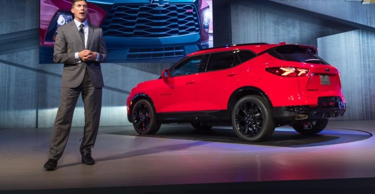 Chevy Blazer Lights Up Brand S Cuv Portfolio Wardsauto