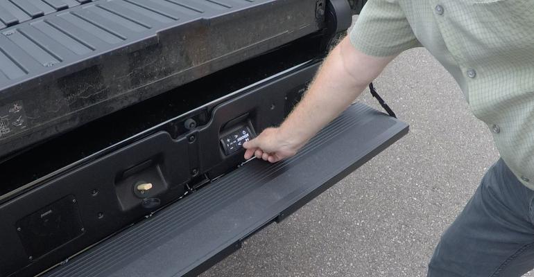 GMC Sierra Denali Carbon box audio.jpg