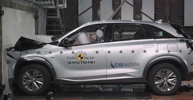 Hyundai Nexo fuel-cell vehicle gets top crash-test ratings.