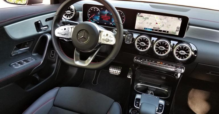 Mercedes-Benz CLA250 cockpit