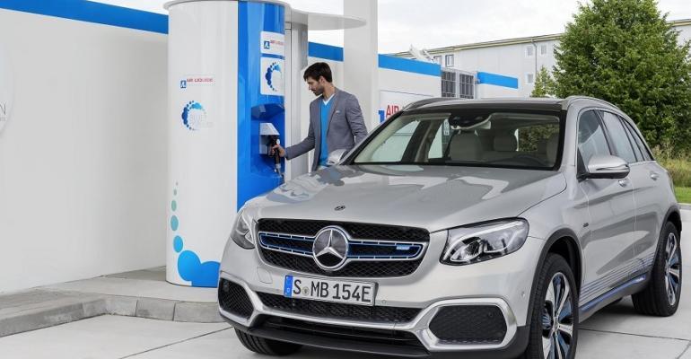 Mercedes FCEV.jpg