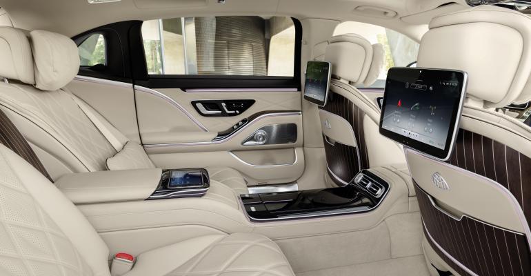 Mercedes-Maybach S-Class interior 22.jpg