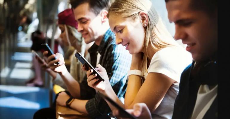 Millennials on phones - Darwin auto.png