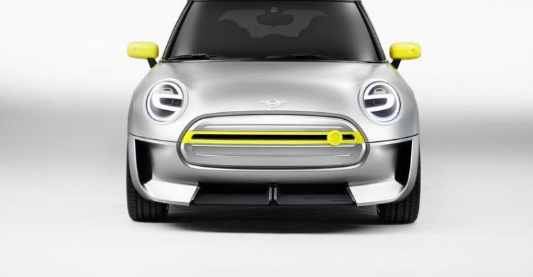 Mini Electric Concept's grille distinguishes subcompact as EV.
