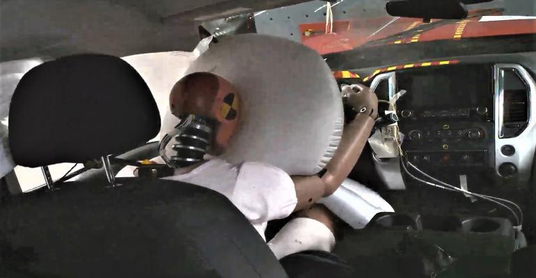 Nissan Crash Test FmgtnHlsMI.jpg