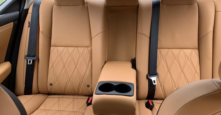 Nissan Sentra rear seat 2).jpg