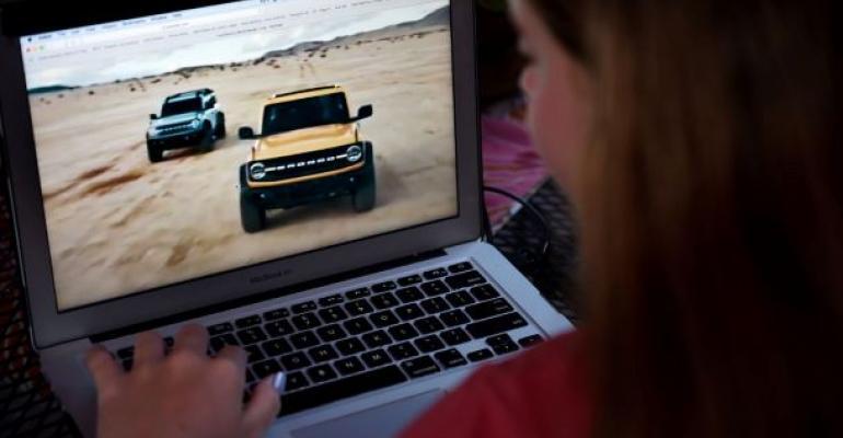 Online car shopping (Getty).jpg