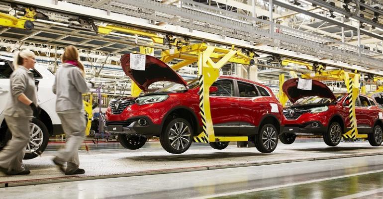 Renault scaling back Kadjar CUV production at Palencia, Spain plant.