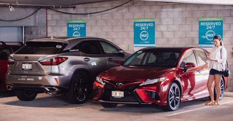 Toyota Camry Lexus -- Hui car sharing.jpg