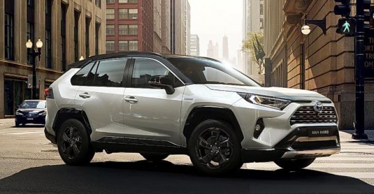 Toyota RAV4 hybrid.jpg