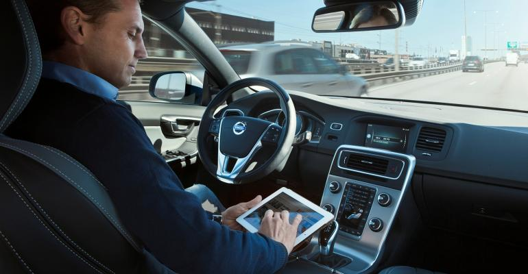 Volvo Cars calls for global standard in how autonomous vehicles communicate with other road users.