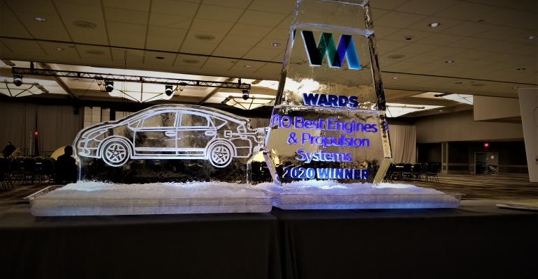 Wards 10 Best ice sculpture thumbnail.jpg