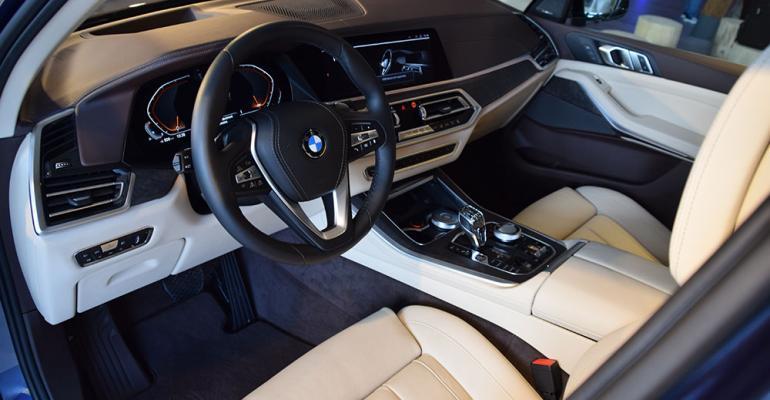 BMW X5 offwhite interior