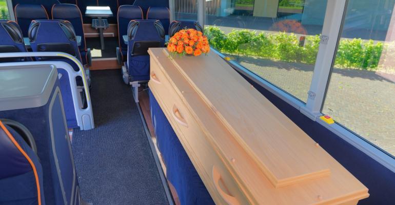 funeralbus4.jpg