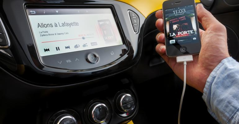 New IntelliLink infotainment system in Opel Adam compatible with Apple iPhones and Android smartphones