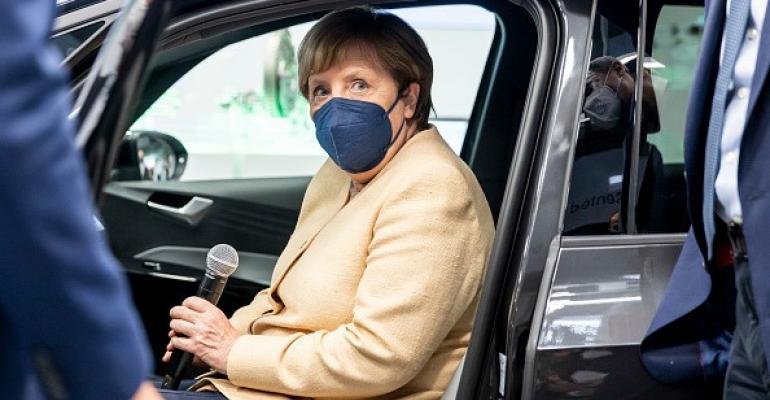 gettyimages-Angela Merkel IAA 2021 - Copy.jpg