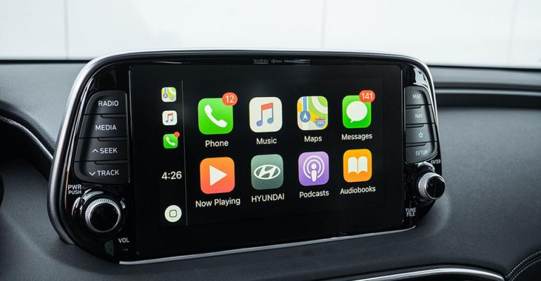 Hyundai Santa Fe apps