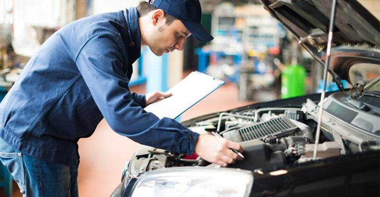 """For service customers, $200 is """"the sweet spot"""" for a vehicle repair order, but a $600 bill can turn off price-sensitive customers, says Experian."""