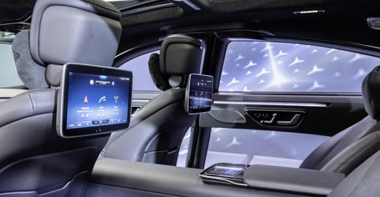 mercedes-benz-s-class-digital-user-experience.jpg