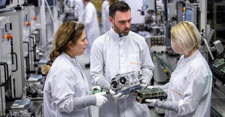 power-electronics-production-at-continental-powertrain-in-nuremberg-data.jpg
