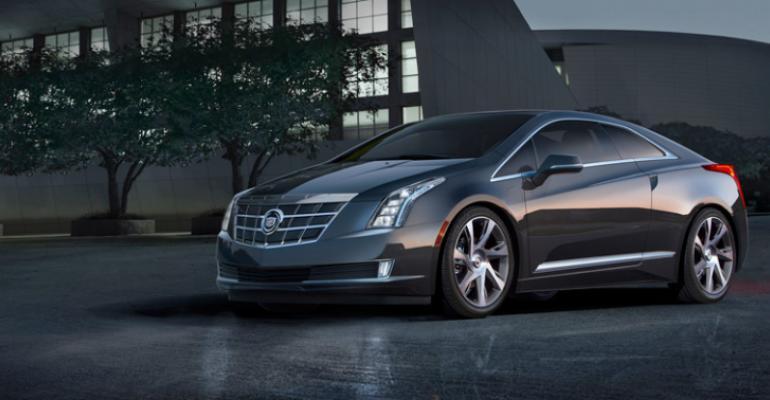 GM Plugs In Cadillac ELR at Detroit Auto Show | WardsAuto