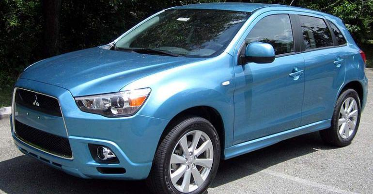 Current Outlander CUV gets refresh for rsquo14